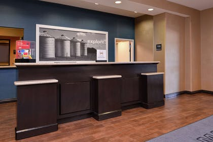 Reception | Hampton Inn & Suites Woodward