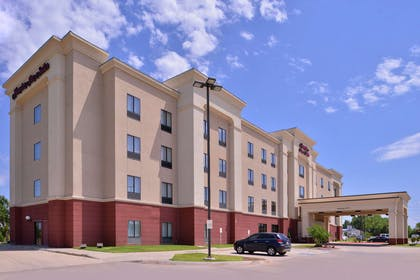 Exterior | Hampton Inn & Suites Woodward