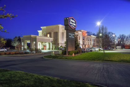 Exterior | Hampton Inn & Suites Youngstown- Canfield
