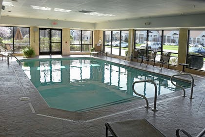 Pool   Hampton Inn & Suites Youngstown- Canfield