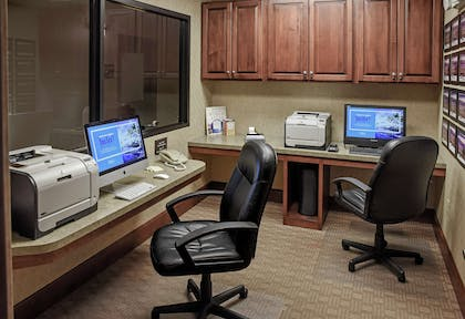 Business Center   Hampton Inn & Suites Youngstown- Canfield