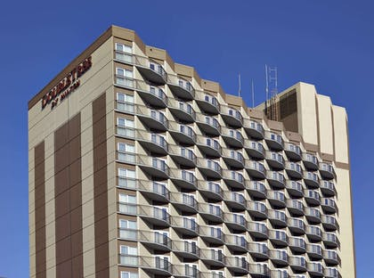 Exterior | DoubleTree by Hilton Hotel & Conference Centre Regina