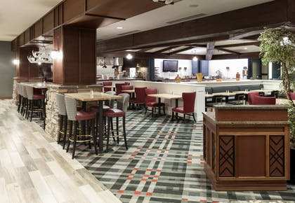 Restaurant | Embassy Suites by Hilton Anchorage
