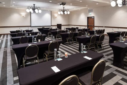 Meeting Room | Embassy Suites by Hilton Anchorage