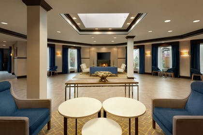 Lobby | DoubleTree by Hilton Hotel Annapolis