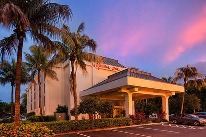 Exterior | Hampton Inn Naples-Central