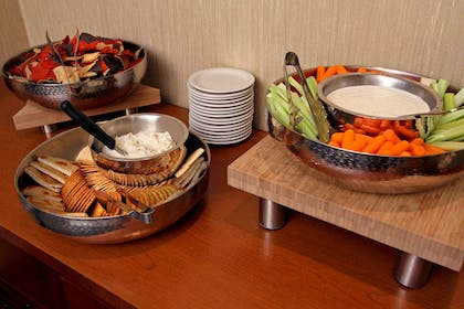 Restaurant | Embassy Suites by Hilton Baltimore Hunt Valley