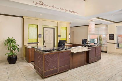 Reception | Hilton Garden Inn Hartford North/Bradley Int'l Airport