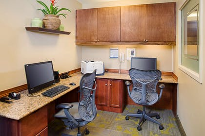 Business Center | Hilton Garden Inn Hartford North/Bradley Int'l Airport