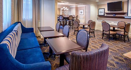 Restaurant | Hampton Inn & Suites-Downtown-Tutwiler