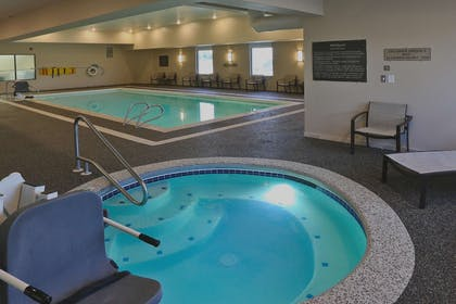 Pool | Hampton Inn Billings