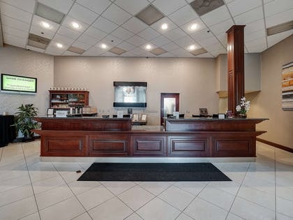 Reception | DoubleTree by Hilton Hotel Bloomington