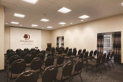 Meeting Room | DoubleTree by Hilton Hotel Boston Downtown