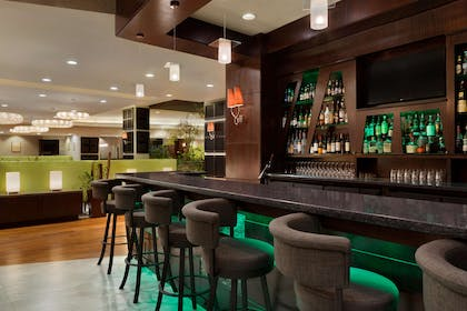 BarLounge | Embassy Suites by Hilton Los Angeles Glendale