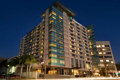 Exterior   Embassy Suites by Hilton Los Angeles Glendale
