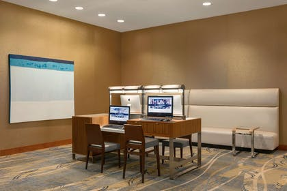 Business Center | Hilton Baltimore BWI Airport