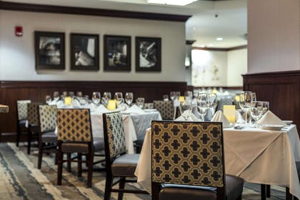Restaurant | Hilton Columbia Center - Hotel