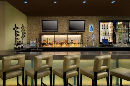 Restaurant | DoubleTree by Hilton Chattanooga