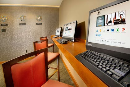 Business Center | DoubleTree by Hilton Chattanooga