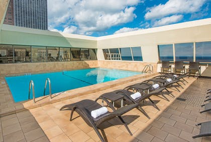 Pool | Hampton Inn Chicago Downtown/Magnificent Mile
