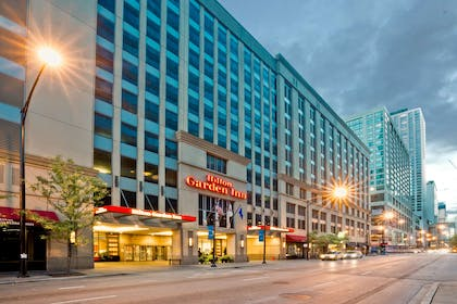 Exterior | Hilton Garden Inn Chicago Downtown/Magnificent Mile