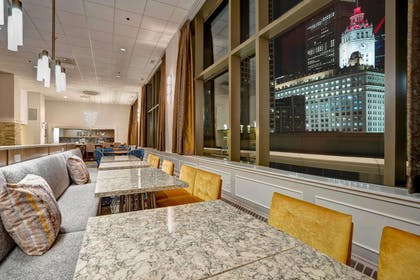 Lobby | Homewood Suites by Hilton Chicago-Downtown