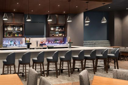 BarLounge | Embassy Suites by Hilton Chicago Lombard Oak Brook
