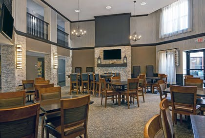 Breakfast Area | Homewood Suites by Hilton Chicago-Lincolnshire