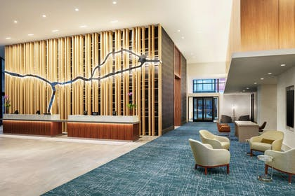 Lobby | DoubleTree by Hilton Hotel Chicago - Magnificent Mile