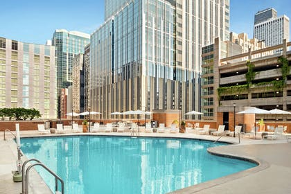 Pool | DoubleTree by Hilton Hotel Chicago - Magnificent Mile