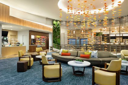 Lobby   DoubleTree by Hilton Hotel Chicago - Magnificent Mile