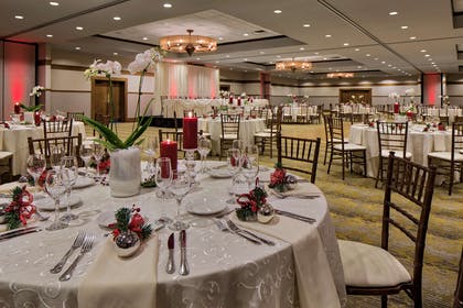 Meeting Room | DoubleTree by Hilton Libertyville - Mundelein