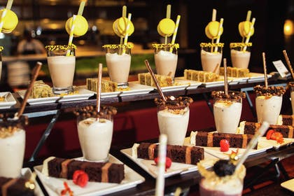 Restaurant | theWit Chicago – a DoubleTree by Hilton Hotel