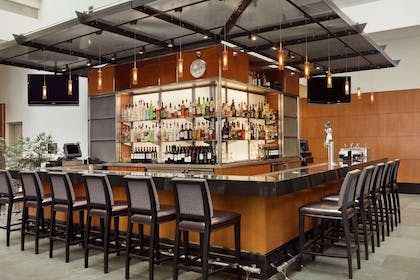 BarLounge | Embassy Suites by Hilton Chicago Downtown Magnificent Mile
