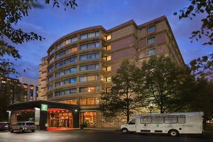 Exterior   Embassy Suites by Hilton Chicago O'Hare Rosemont