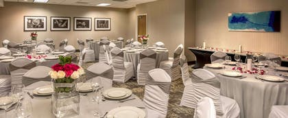 Meeting Room | DoubleTree by Hilton Chicago - Schaumburg