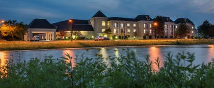 Exterior | DoubleTree by Hilton Hotel Chicago Wood Dale - Elk Grove
