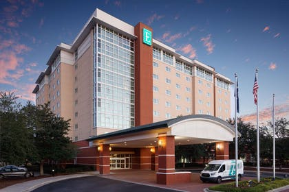 Exterior | Embassy Suites by Hilton Charleston Airport Hotel & Convention Center