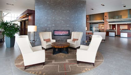 Lobby   DoubleTree by Hilton Hotel & Suites Charleston Airport