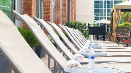 Pool   DoubleTree by Hilton Hotel & Suites Charleston Airport