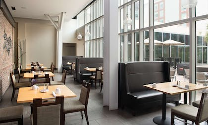 Restaurant   DoubleTree by Hilton Hotel & Suites Charleston Airport