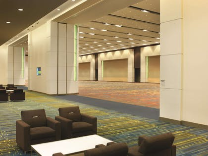 Meeting Room | Doubletree by Hilton Cedar Rapids Convention Complex