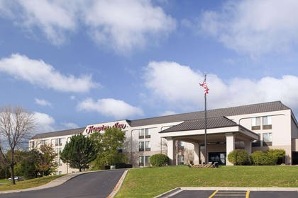 Exterior | Hampton Inn Iowa City/Coralville