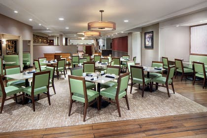 Restaurant | DoubleTree by Hilton Cleveland East Beachwood