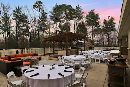 Restaurant | Embassy Suites by Hilton Charlotte Concord Golf Resort & Spa