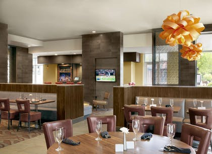 Restaurant | The Broadway Columbia - a DoubleTree by Hilton