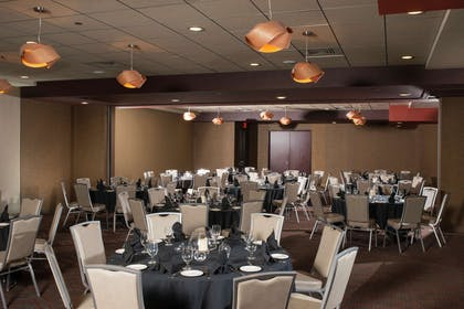 Meeting Room | The Broadway Columbia - a DoubleTree by Hilton
