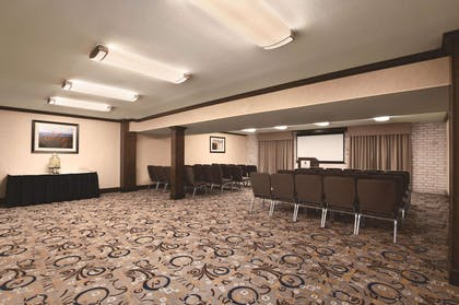 Meeting Room | Embassy Suites by Hilton Corpus Christi