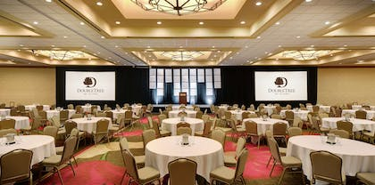Meeting Room |  DoubleTree by Hilton Seattle Airport