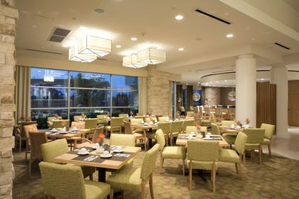 Restaurant | Hilton Garden Inn Dallas Richardson